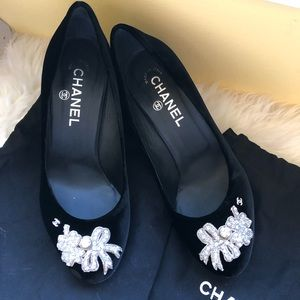 Pre loved authentic Chanel Pumps